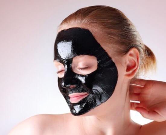 zwarte puntjes op neus