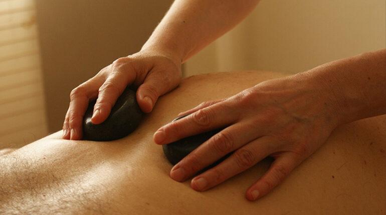 hoe hotstone massage geven