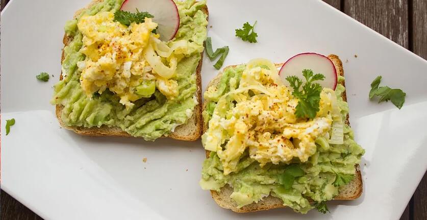 avocado op toast recept